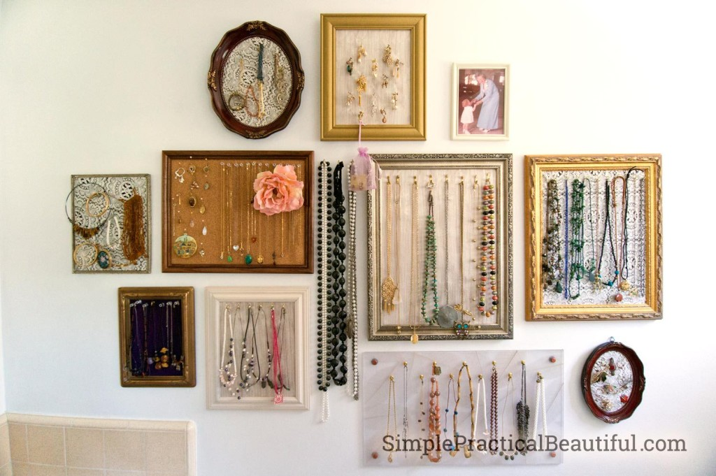 jewelry-gallery-frame-display