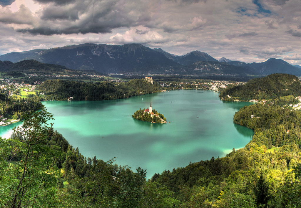 lake-bled-panoramic-view-cropped