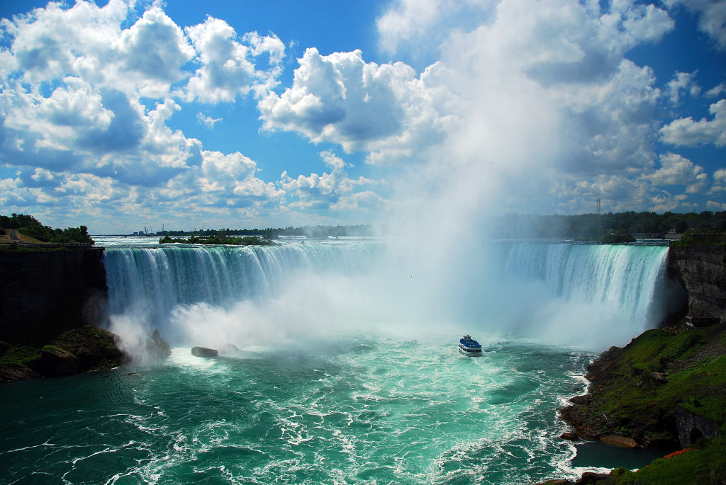 the-tragic-dangerous-and-sometimes-suicidal-aspect-to-niagara-falls-that-nobody-wants-to-393252