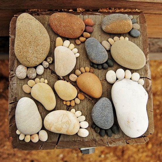 AD-Beautiful-DIY-Stepping-Stone-Ideas-To-Decorate-Your-Garden-03