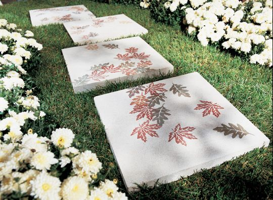 AD-Beautiful-DIY-Stepping-Stone-Ideas-To-Decorate-Your-Garden-06