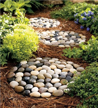 AD-Beautiful-DIY-Stepping-Stone-Ideas-To-Decorate-Your-Garden-19