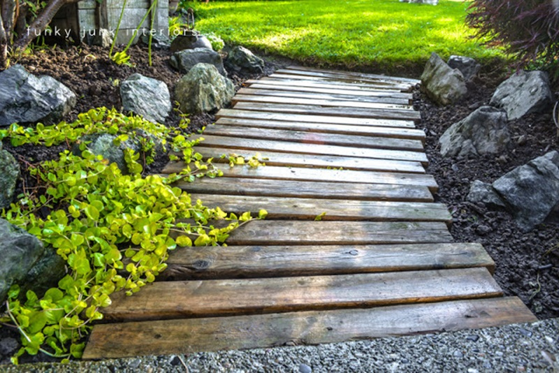 10 cool and amazing diy wooden projects for your yard you should not miss the art in life - Garden pathway design ideas with some natural stones trails ...