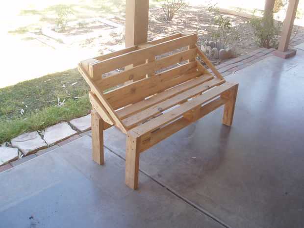DIY Pallets Projects That You Can Make Sell