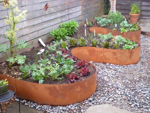 THE ART IN LIFE Garden edging