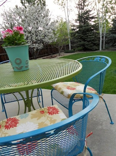 Make Your Patio Furniture Less Boring By Spraying It Any Color You Want Part 89
