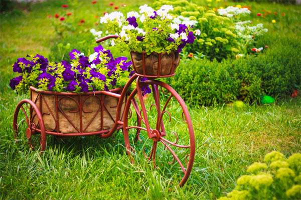 10.-bike-flower-bed