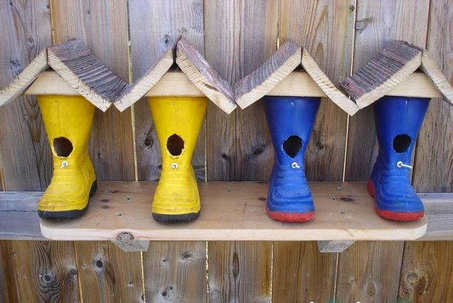 Boots-repurposed-into-a-cute-birdhouse