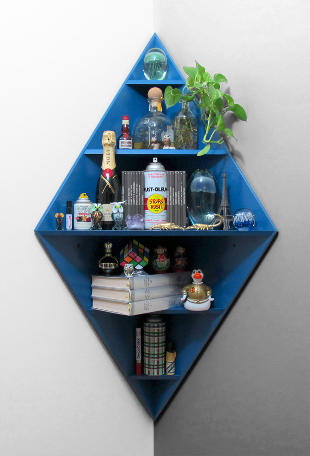 MWM_CORE_DECO_2011_corner_shelf_bluestuff