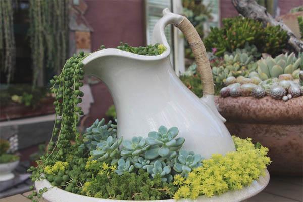 Spilling-Flower-Pot-8