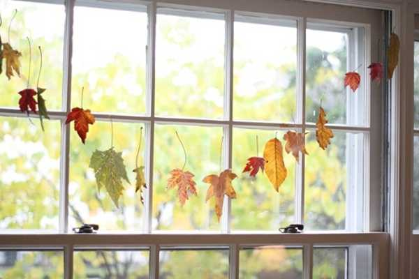 autumn-leaf-decorations