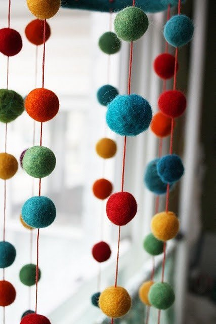 colorful-diy-felt-ball-garland-on-window-window-decor-handmade-felt-ball-garland-f77816