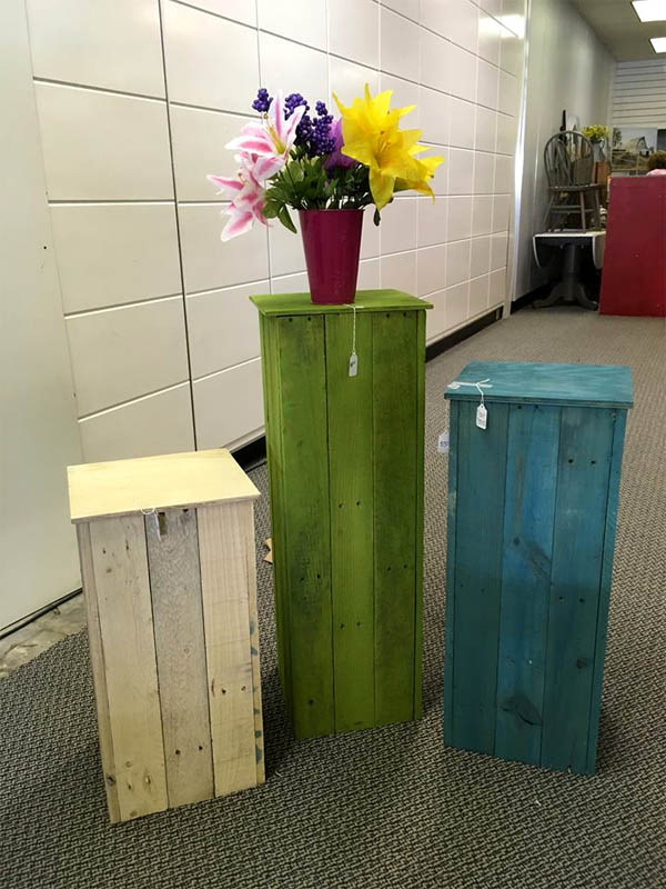 colorful-pallet-pot-stands