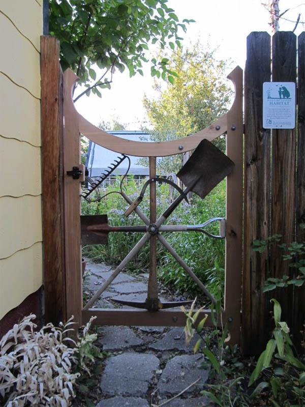 garden-tool-gate-718x957