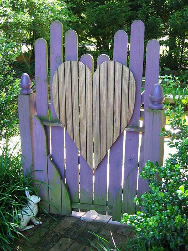 heart-shaped-wooden-gate