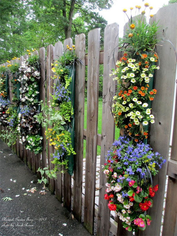 AD-Garden-Fence-Decor-Ideas-16