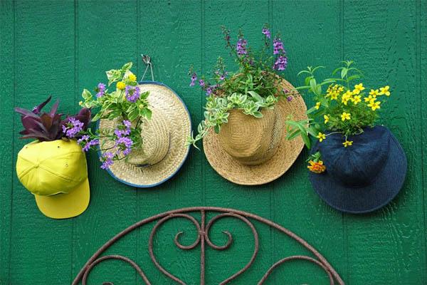 original-nancy-ondra_unique-container-gardens-hats_s4x3-jpg-rend-hgtvcom-966-725-jpeg
