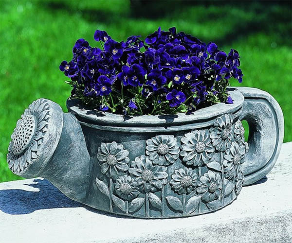 watering-can-planter-e1452062410946