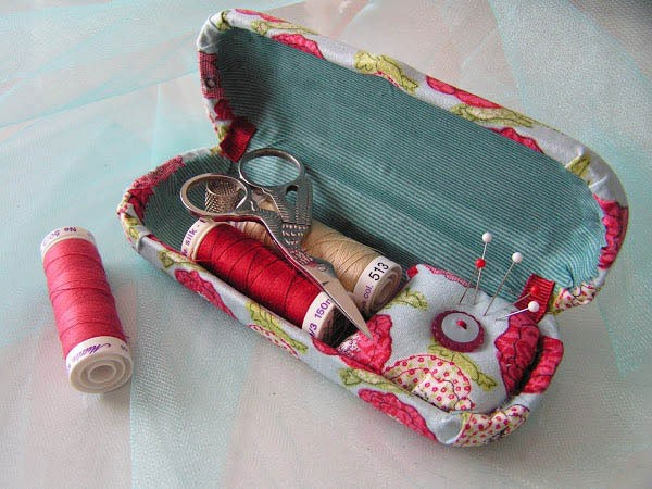 eyeglass-case-sewing-kit_blog140107