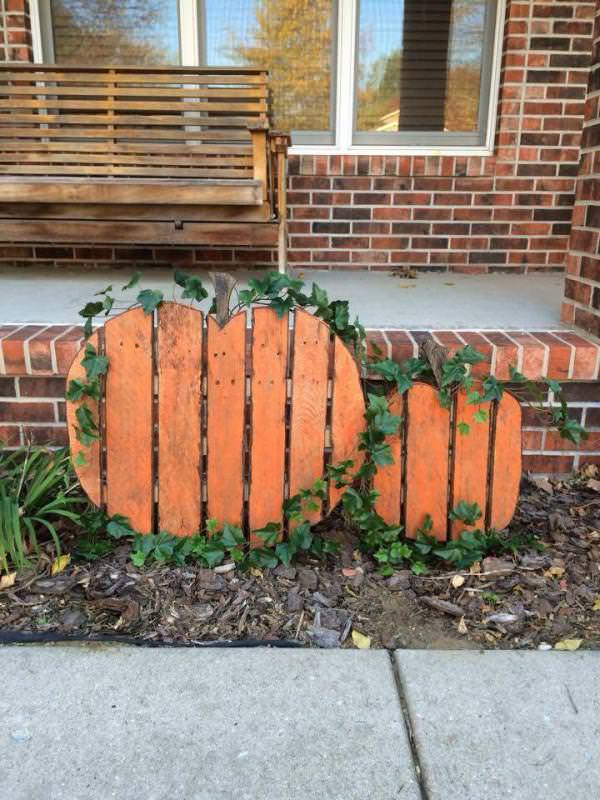 Do It Yourself Home Design: Be Ready For Halloween With These Unique DIY Pallets Items