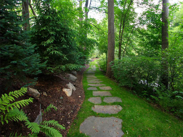 ci-conte-conte_stone-pathway-grass-woods_s4x3-jpg-rend-hgtvcom-966-725