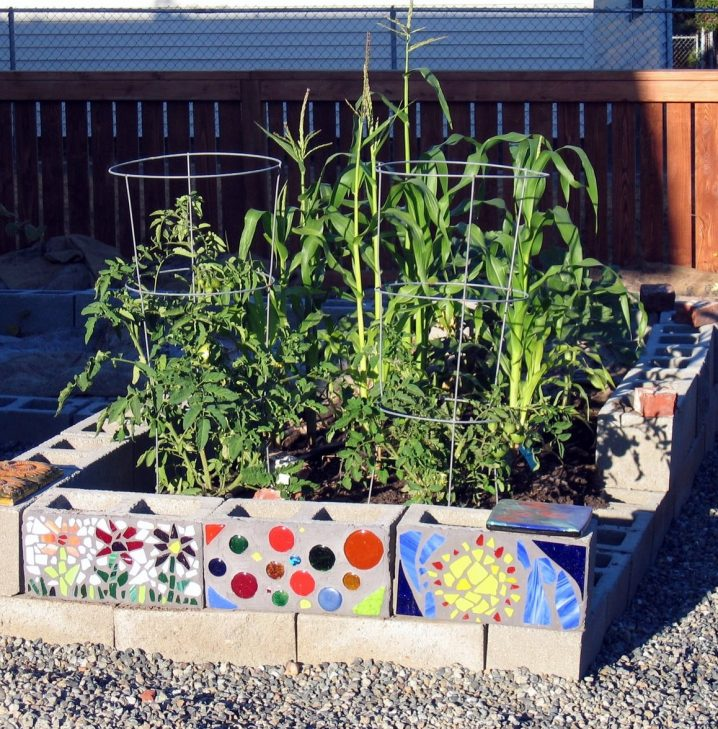 cinder-block-raised-garden-bed-718x729