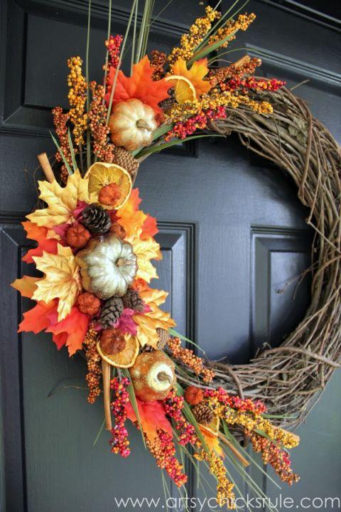diy-fall-wreath-fall-themed-tour-side-view-fall-falldecor-diy-artsychicksrulecom_-600x900