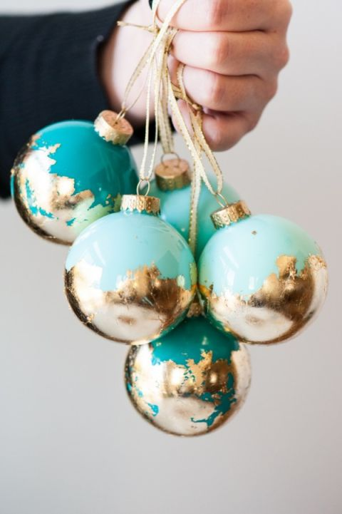 1-diy-painted-gold-leaf-ornaments-600x902