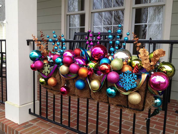 25-planter-full-of-ornaments-christmas-decoration-homebnc