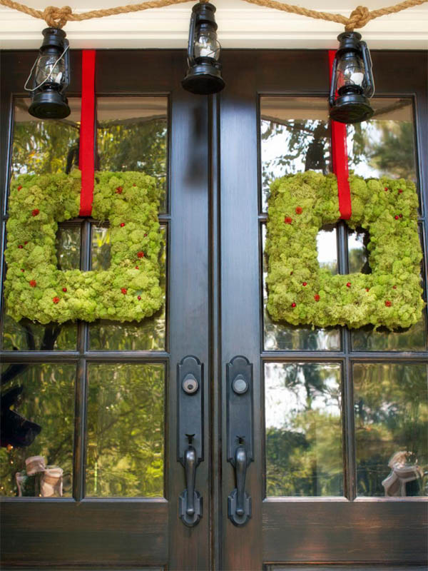 26-deck-the-doors-outdoor-xmas-decoration-homebnc