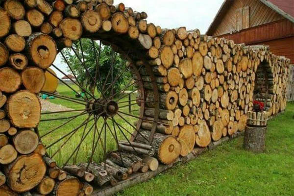 cordwood-fence-the-art-in-life