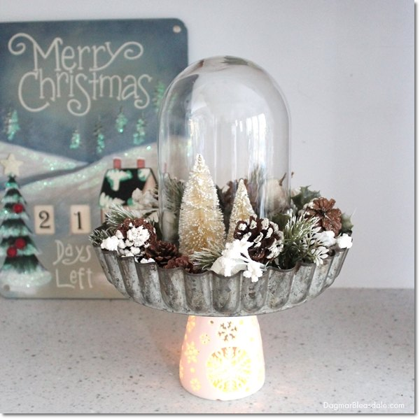 christmas-centerpiece-diy-pie-tin-and-bottle-brush-tree-christmas-decorations-crafts-repurposing-upcycling