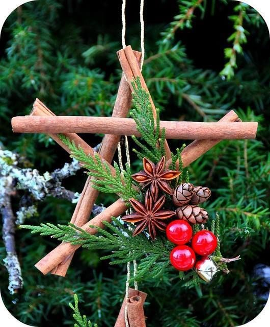 creative-christmas-ornament-star-pinecone