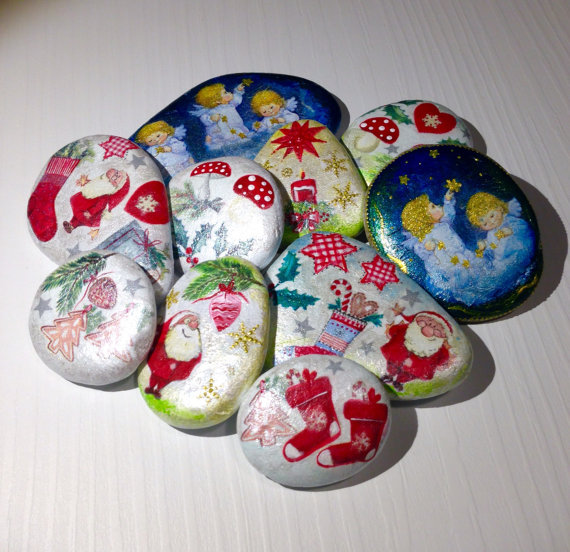Christmas Rock Painting Designs.26 Wonderful Ideas Of Painted Christmas Rocks That You Will