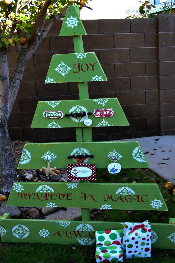 pallet-christmas-tree-rn9jnnaq