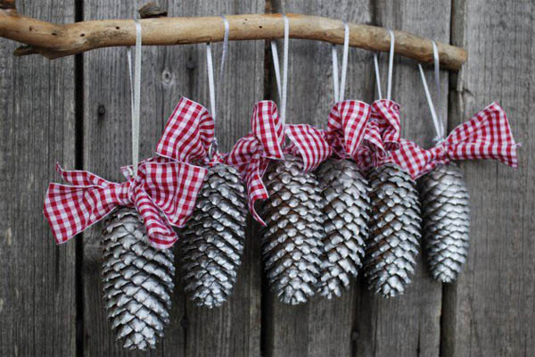 3d wall sticker ideas that will add dimension to your home - Amazing Pine Cone Decorations You Can Make For Christmas