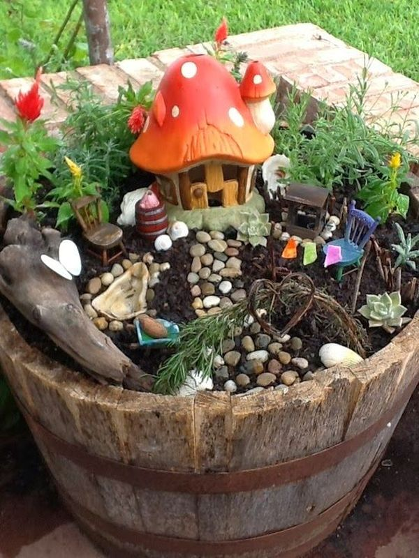 15 Crafty Small Garden Ideas and Solutions For Saving ...
