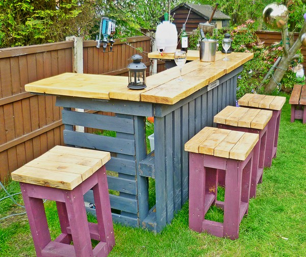 20 easy and fun diy garden furniture ideas the art in life Diy outdoor furniture
