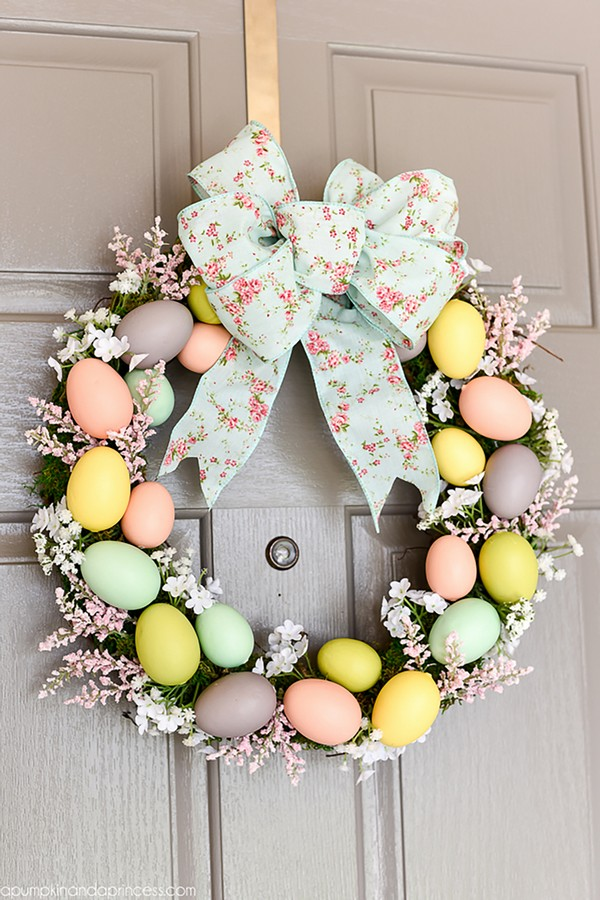 20 lovely diy easter wreaths you can make at home this for How to make door wreaths for spring