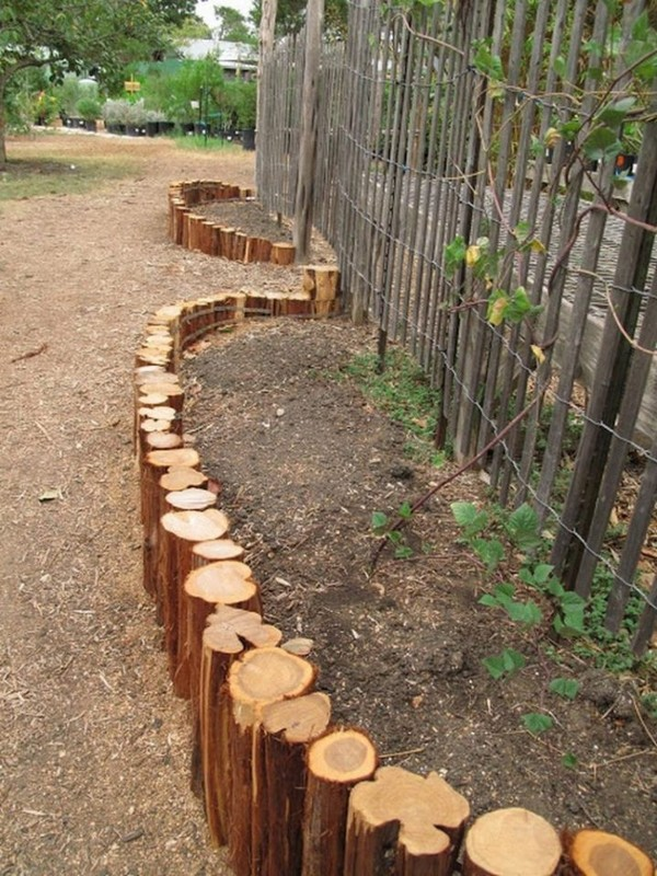 17 fascinating wooden garden edging ideas you must see for What to make with tree logs