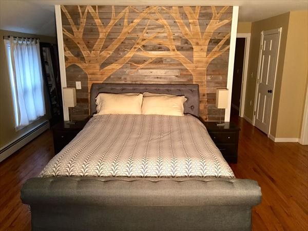 bedroom wooden pallet wall pallet wall source - Wood Pallet Wall