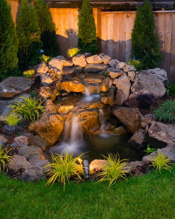 15 Absolutely-Stunning Backyard Water Pond That Will Catch ...