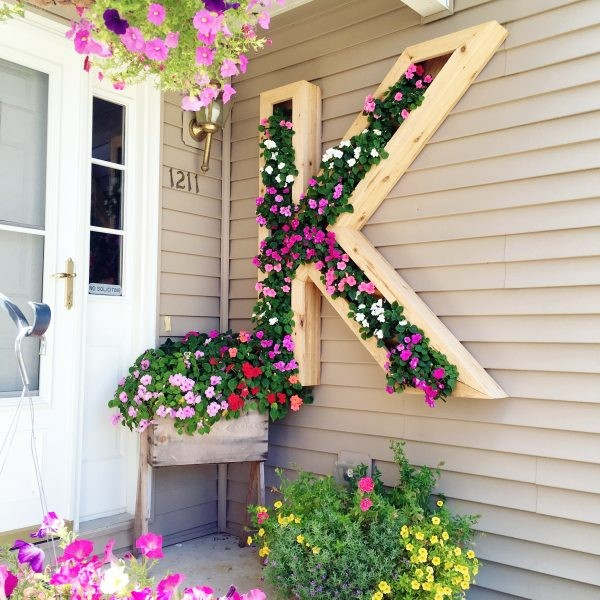 15 Spectacular Rustic Exterior Designs That You Must See: 15 Amazing DIY Ideas To Update Your Porch For Spring