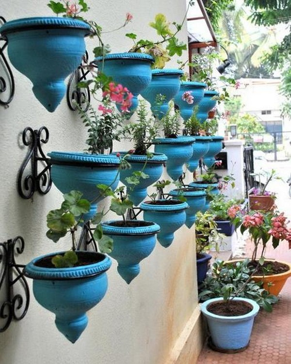 15 Creative Garden Ideas You Can Steal: 15 Fantastic Wall Planters To Get The Most Of Your Small