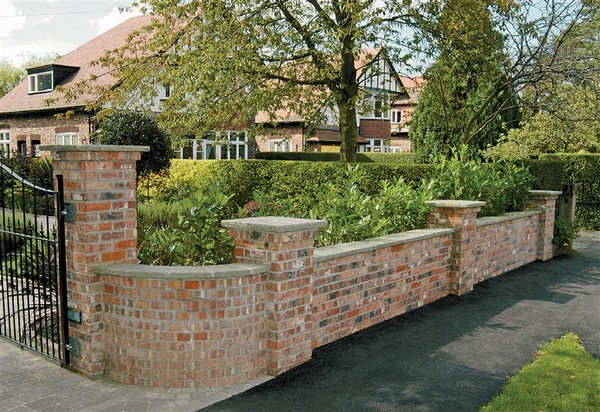 Brilliant DIY Garden Decor Ideas With Old Bricks To Save ...