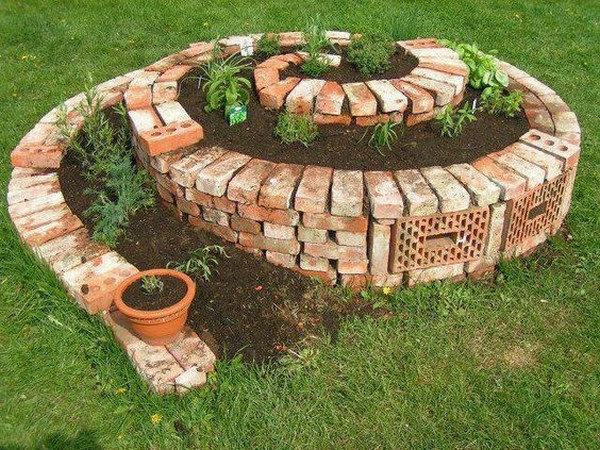 Brilliant DIY Garden Decor Ideas With Old Bricks To Save Your Money