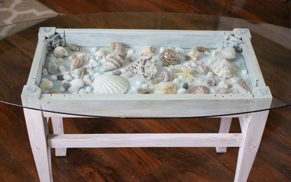 17 adorable diy shell decor projects to bring beach spirit for Diy shadow box table