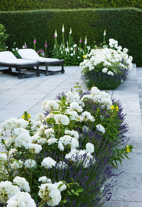 20 Gorgeous and Creative Flower Bed Projects to Try - The ...