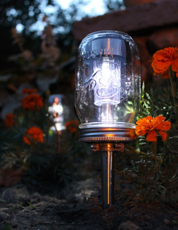 Ball Jar String Lights : 15 Ideas for Outdoor Mason Jar Lights to Add a Romantic Glow to Your Patio - The ART in LIFE