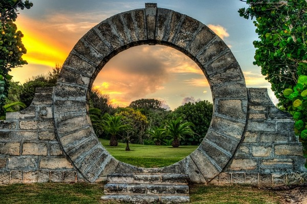15 Gorgeous Moon Gates For Your Backyard The Art In Life
